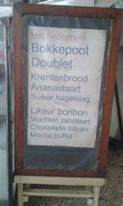Nama Kue di Sumber Hidangan