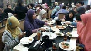 @ H Moel Seafood