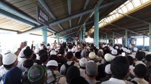 Suasana di Stasiun Juanda, saat 411