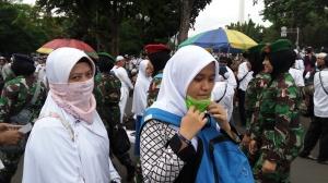 Ummi, Kk & Tentara Berhijab